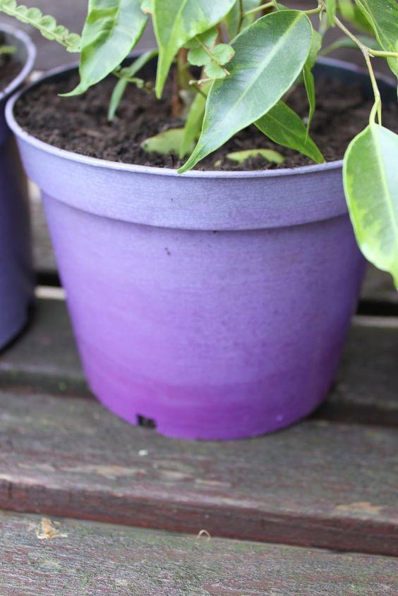 A journey to a dream...: Plastic plant pot revamp!