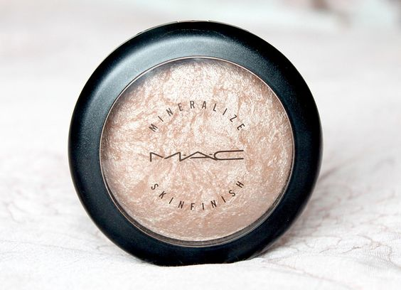 MAC Mineralize Skinfinish | Soft & Gentle - CoutureGirl