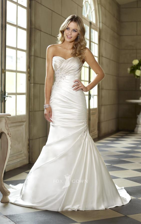 Satin sweetheart strapless trumpet side draped ruched for Side draped wedding dress