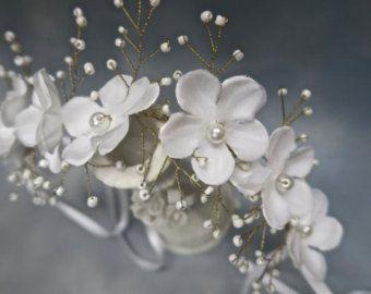 Novia tocado Floral boda diadema peluca por svitlanasbridalveils