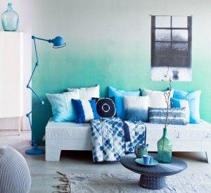 eine ombr wand in t rkis kolorat streichen. Black Bedroom Furniture Sets. Home Design Ideas