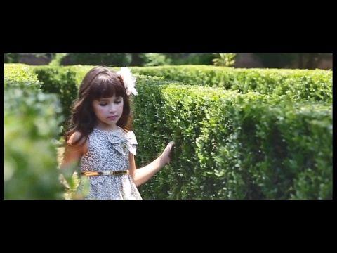 مشاهد للمونتاج فتاة صغيرة أزهار ورود Hd Youtube