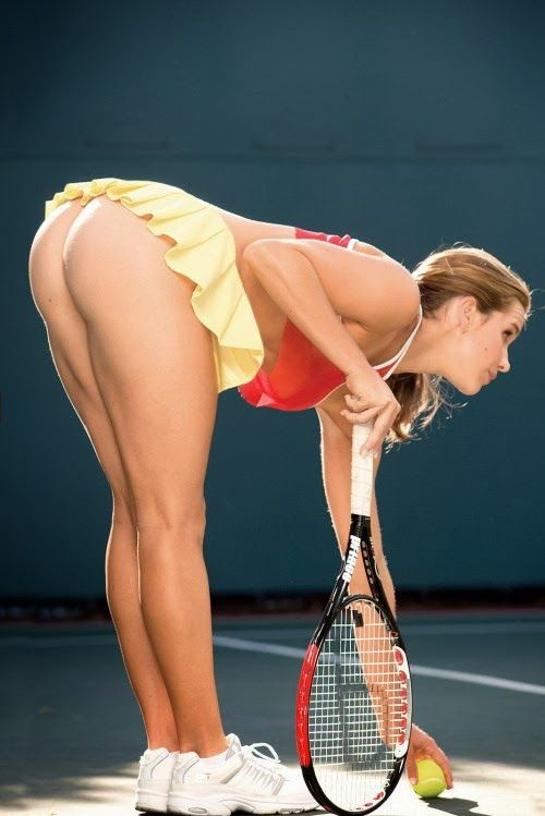 Hot tennis girl upskirt