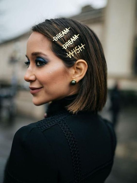 The trend of 2019! The perfect accent hair accessory for anyone who wants to stand out and make a statement. -Sold as a pair. 1x WISH 1x DREAM -Approximately 6cm long. -Alloy hair clip in a gold finish CARE: - Keep barrette dry at all times, always avoid contact with chemicals. Note: -As this