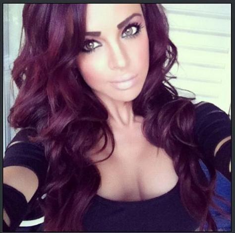 tresses coiffure magenta fonc couleurs de cheveux magenta couleurs de cheveux dhiver la couleur des cheveux rouge prune profonde couleur des cheveux - Coloration Cheveux Magenta