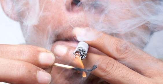 Sei un uomo e fumi? Il tuo cromosoma Y potrebbe essere a rischio. A quanto pare, il cromosoma Y non è per sempre, anzi. Gli uomini che fumano correrebbero il triplo del rischio di perderlo. Avevate mai pensato di poter perdere un cromosoma a causa del fumo e delle sigarette?
