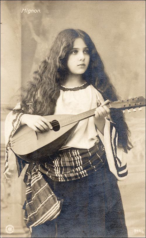 Gypsy girl with mandolin, 1910 - 9GAG
