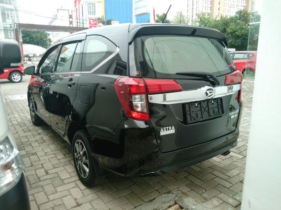 Daihatsu Sigra R Deluxe Daihatsu Mobil Baru