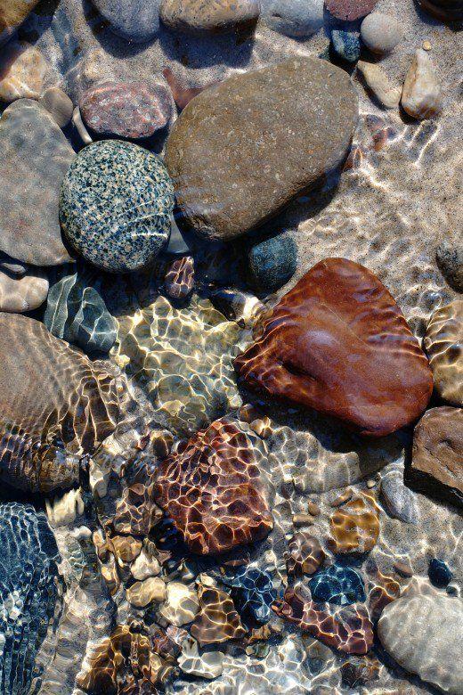 Identifying The Rocks Of Lake Michigan Geode Septarian Agate And More Lake Michigan Stones Michigan Beach Stones