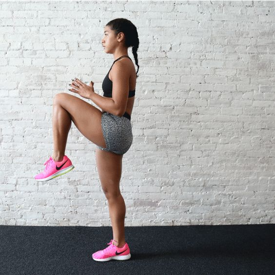 Butt workout GIF: Hannah Bronfman shows you how to do the dead lift