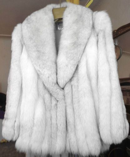Vintage WHITE SAGA Arctic Blue FOX FUR COAT