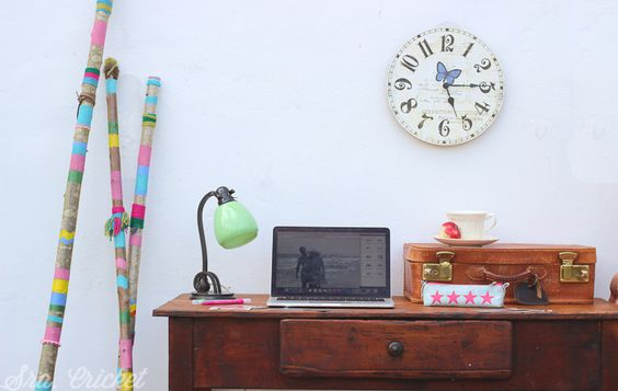 palos-decorando-despacho by sracricket.com