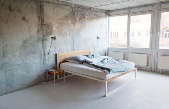Das B18 Bett Aus Massivholz Esche Mit Einem Pulverbeschichteten