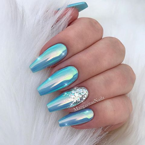 Ice Blue Chrome Coffin Nails Glitter Ombre Nail Designs Margaritap Margaritasnailz Instagram Phot Blue Ombre Nails Blue Nail Designs Blue Chrome Nails