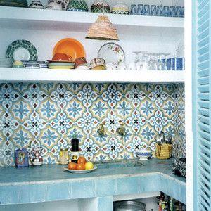 Zementfliesen - SOUTHERN TILES Mediterrane Wand- und Bodenfliesen. Gemauerte Küche