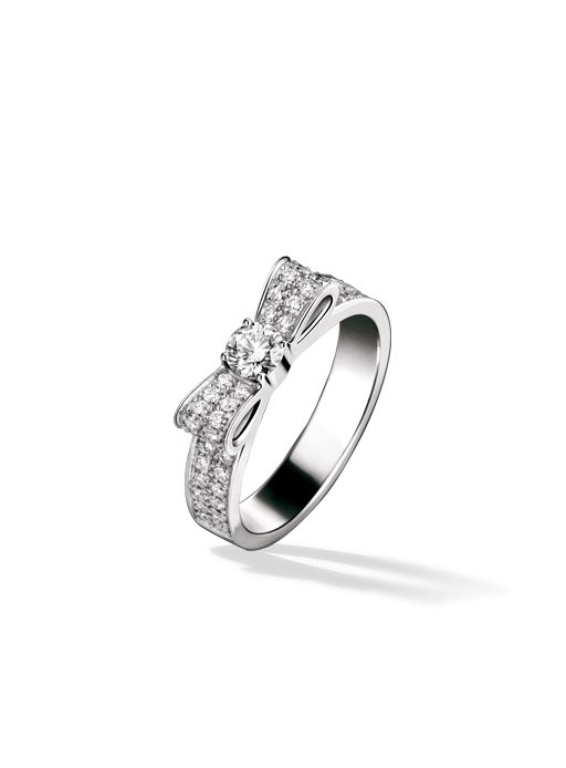 The Chanel 1932 Ring in 18K white gold and diamond. Available at the Chanel Fine Jewelry Boutique at London Jewelers, Americana Manhasset. For more information, please call (516) 918-2700 to speak to a Chanel Fine Jewelry representative.: Wedding Ring, Promise Rings For Girls, Wedding Band, Chanel Bow, Bow Rings, Engagement Rings