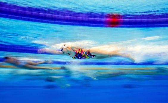 Atleti si allenano prima della gara di nuoto a Baku, in Azerbaigian, durante i Giochi europei.  - David Ramos, Getty Images