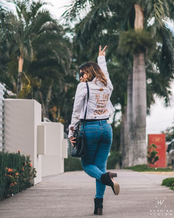 Here's to the fools who dream, foolish as they may seem. Lalaland movie #lalaland #foolswhodream #lalalandmovie #customizedjacket #petitefashion #petitefashionblogger #petitegirlfashion #latinabloggers #latinacreators