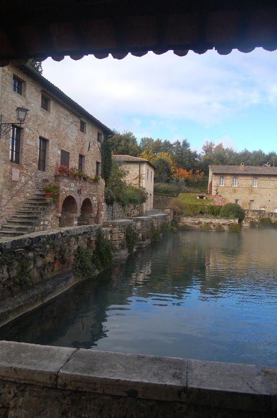 Exploring Tuscany: Bagno Vignoni – An American in Rome
