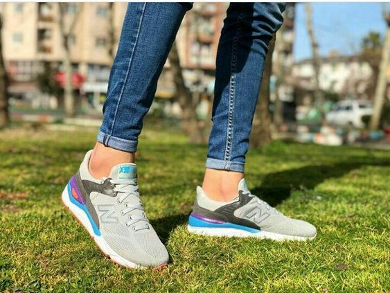 خرید کفش و کتونی زنانه و مردانه