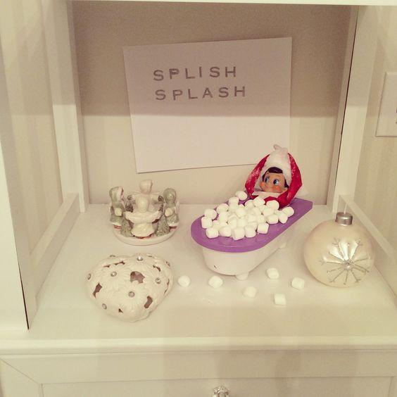 Elf on the shelf. Splish Splash