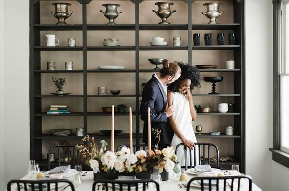 Modern Art: Minimalist Wedding Inspiration at a Catskills Mountain Home