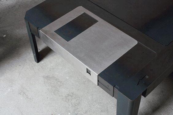 Floppy Table | IdeaFixa | ilustração, design, fotografia, artes visuais, inspiração, expressão