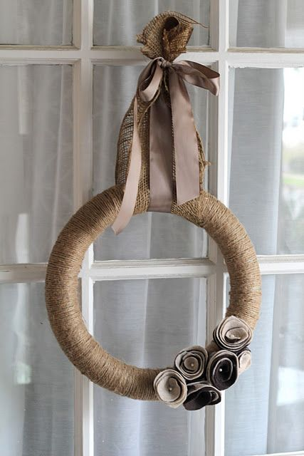 love the colors, the hanging bow is too much though, needs to be a bit smaller.