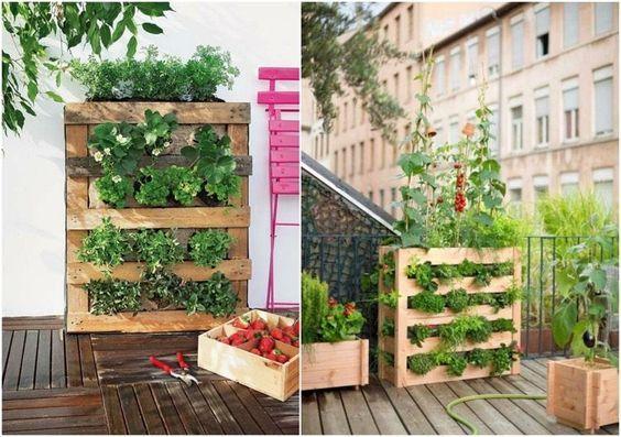 Vertikales Hochbeet Fur Erdbeeren Und Krauter Fur Den Balkon Hochbeet Hochbeet Aus Paletten Krautergarten Palette