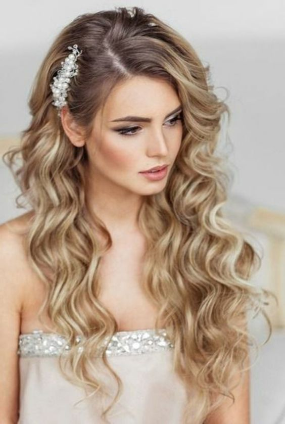 Peinados para novias con pelo largo suelto