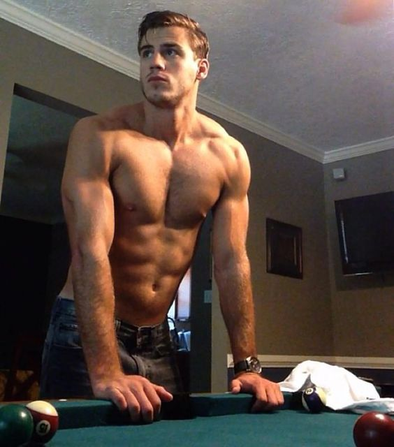 Sexy Gay Muscle Men 38