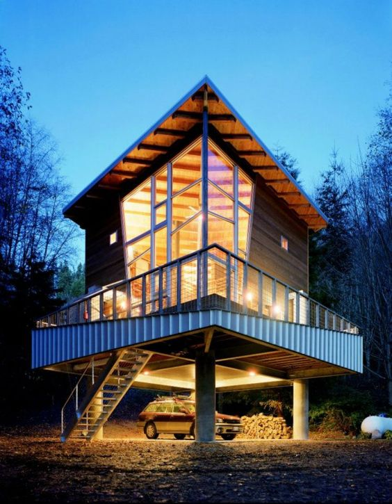 Treehouse by Castanes Architects