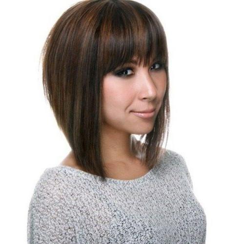Egal Ob Sie Einen Oder Fast Jede Andere Frisur Tragen Sie Werden Feststellen Dass Das Schneiden Einige Bob Haircut With Bangs Bobs Haircuts Aline Haircuts