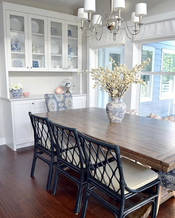 Dining Room Hutch Cabinet: Dining Room. Beautiful Dining Room With Built In Hutch