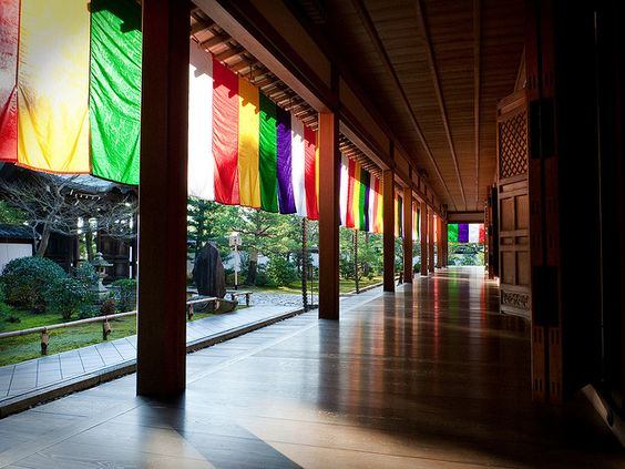 お寺の廊下