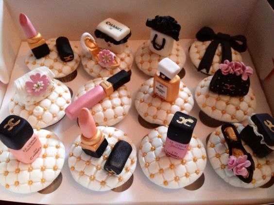 Chanel Themed Cupcakes pastel de quince