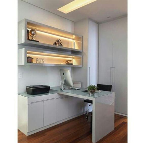 """""""Sessão escritório: Projeto clean mas com grande efeito de iluminação nos nichos. #eudecoro #arquitetura #decor #decoração #homedesign #designer…"""""""
