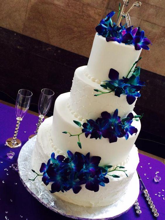 Creative Cakes by Monica- Azle, Texas