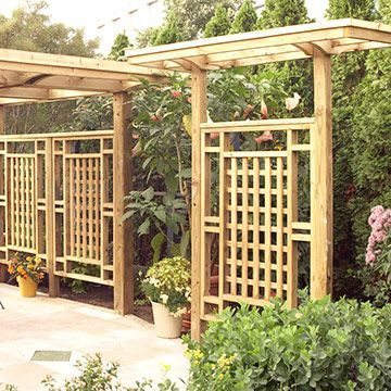 Freestanding privacy screen trellis privacy screen for Craftsman style trellis