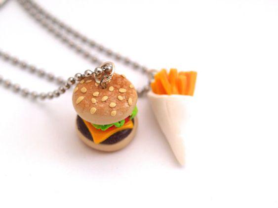 colliers d 39 amiti burger et frites en fimo argile polym re colliers partager avec sa. Black Bedroom Furniture Sets. Home Design Ideas