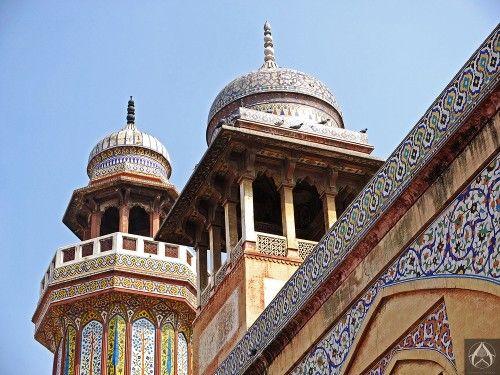 Cupola of the turrets.Masjid Wazir Khan, Lahore