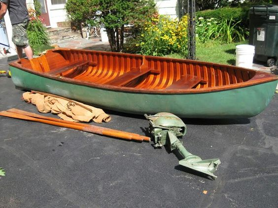 flat bottomed row boat
