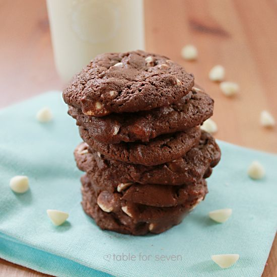table for seven: Chewy Chocolate Cookies