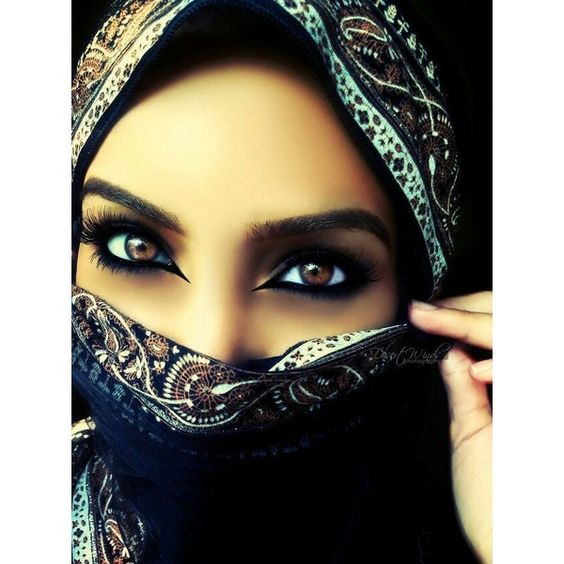 Arabic Makeup ❤ liked on Polyvore featuring beauty products, makeup, kohl makeup e black makeup