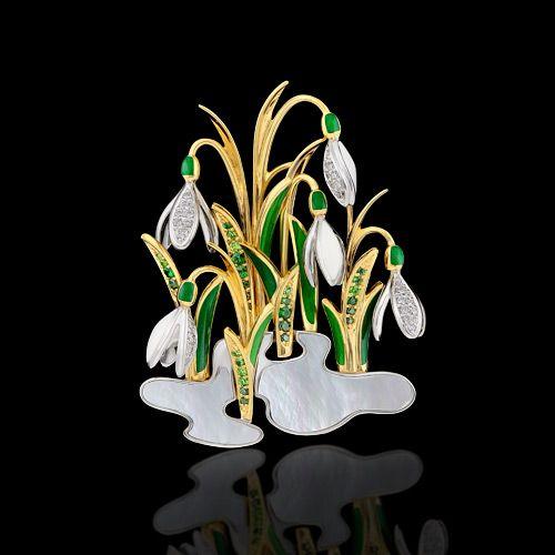 Master Exclusive Jewellery, collection Diamond Flowers, broche or jaune et blanc 18K, diamants, diamants verts, tsavorite, grenats demantoides, nacre, émail
