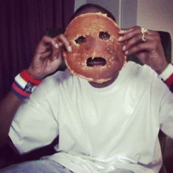 """The """"Snoop Dogg pancake face"""" 