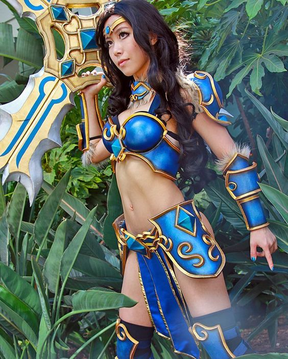 #Cosplayer @MiyukiCosplay with an awesome #leagueoflegends Sivir! Photo by FirstGlance Photography (@billo68). See more of this amazing set on sharemycosplay.com as part of today's #SMCDaily. #cosplay...