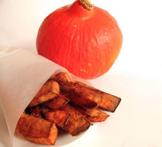 Nu we richting de herfst gaan zullen de pompoenen ons weer om de oren vliegen! Hmm lekkere warme pompoensoep.. Maar om eerlijk te zijn heb ik ook best wel vaak zin in frietjes. Zo maakte ik al vaker frietjes van zoete aardappel, pastinaak, courgette of knolselderij. Maar nu dook ik de keuken in met een …