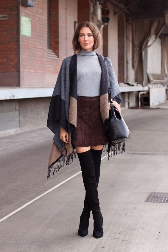 Outfit: Cape, Leatherskirt and Overkneeboots | Mood For Style - Fashion, Food, Beauty & Lifestyleblog