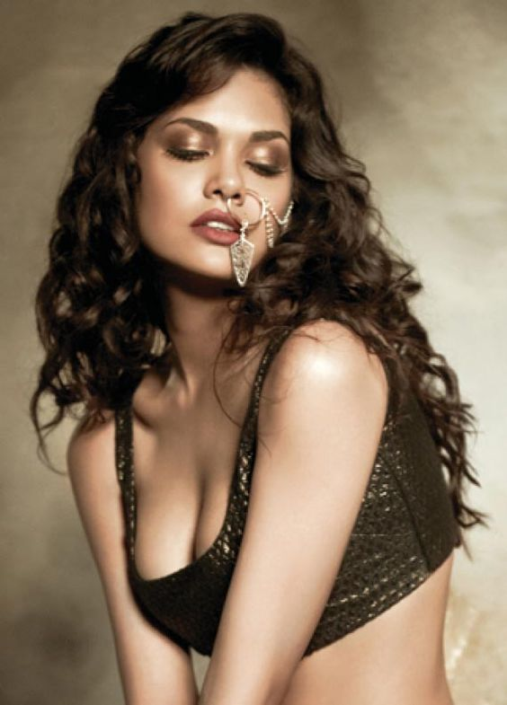 Esha Gupta #Bollywood #Fashion: